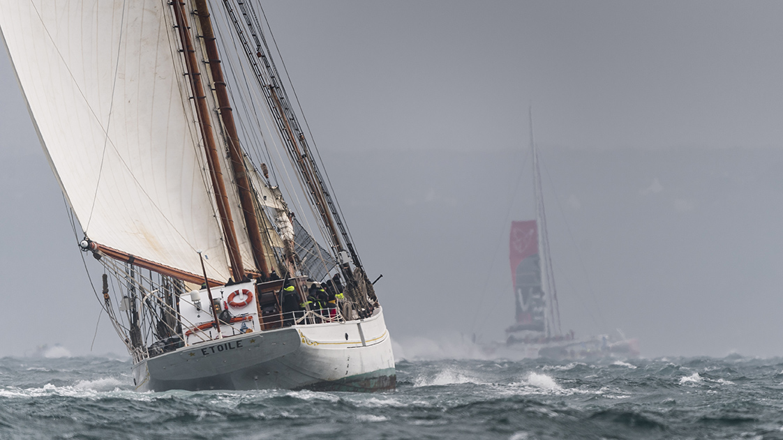 Photographie de bateau de course à Brest