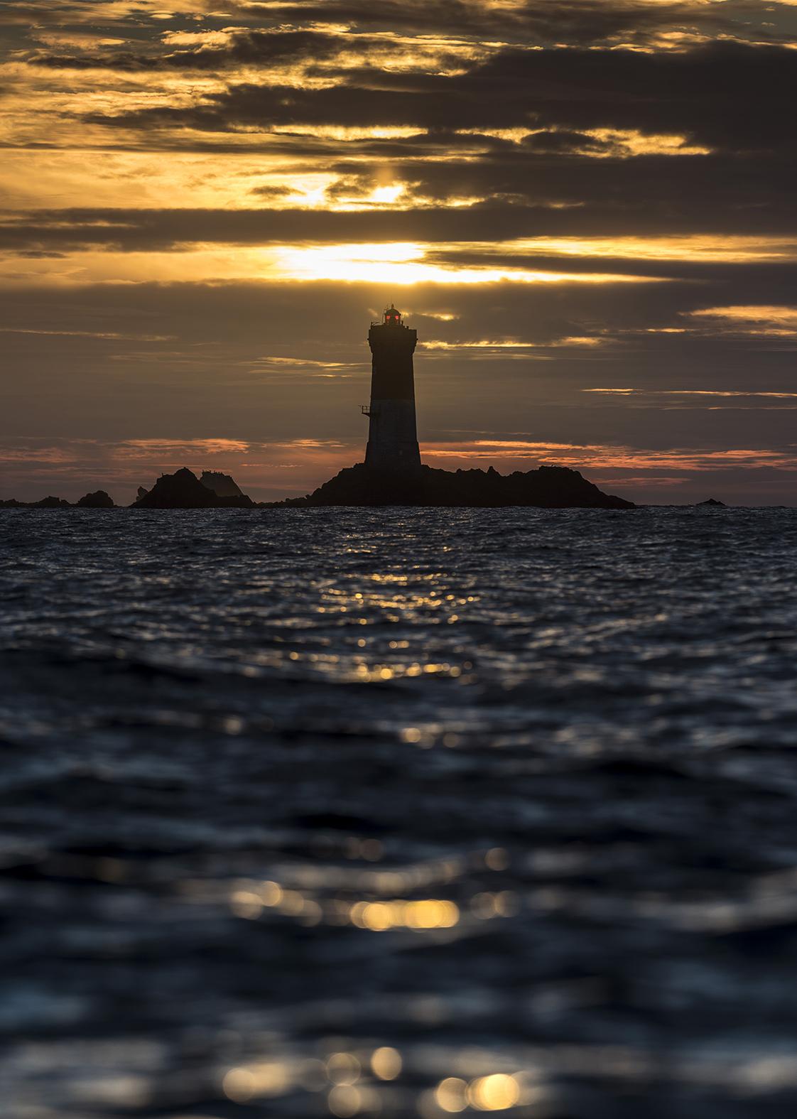 Photographie en mer couché de soleil à molène