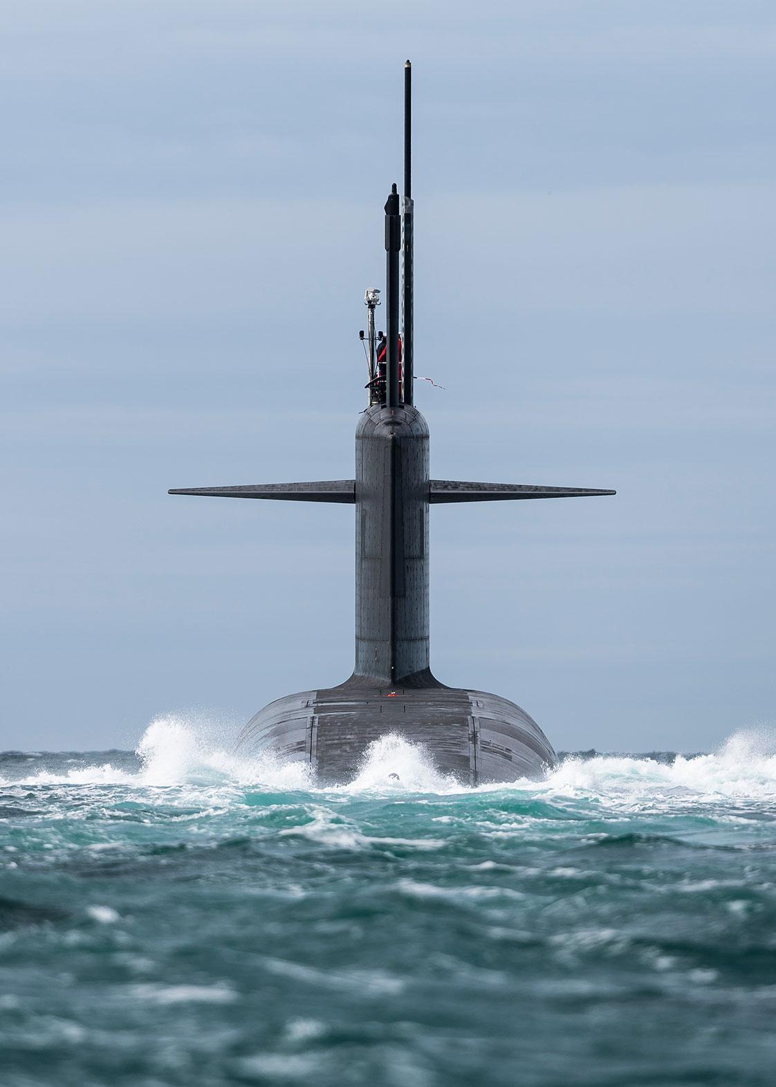 photographie d'un sous-marin en mer